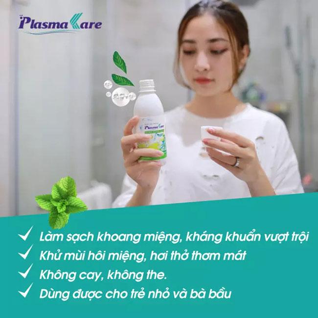 Menthol (tinh chất bạc hà) và Sorbitol được điều chế theo công thức vàng trong Nước súc miệng PlasmaKare.Thành phần Menthol tính kháng khuẩn nhẹ giúp săn se các vết loét niêm mạc, viêm nướu. Đồng thời tạo cảm giác mát lạnh, mùi bạc hà dịu nhẹ.Sorbitol là chất tạo hương vị cho nước súc miệng PlasmaKare. Khi sử dụng nước súc miệng PlasmaKare, người tiêu dùng hầu hết đều thích thú với mùi hương và vị nhẹ nhàng, cảm giác the mát sau khi sử dụng. Với mùi vị này, nước súc miệng PlasmaKare có thể sử dụng cho cả trẻ nhỏ.PEG-40 Hydrogenated Castor Oil là hoạt chất được tạo thành từ Polyethylen Glycol tổng hợp (PEG) với dầu thầu dầu tự nhiên. Đây là chất nhũ hóa có độc tính thấp, ít gây kích ứng nên được dùng trong nhũ tương uống, tiêm hoặc dùng tại chỗ.